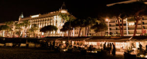 Hotel Carlton Cannes, Plage Ondine, animation par le groupe Orange Trio Music