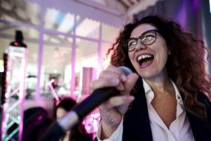 la chanteuse du groupe orange trio music, aniamtion de mariages à Montpellier